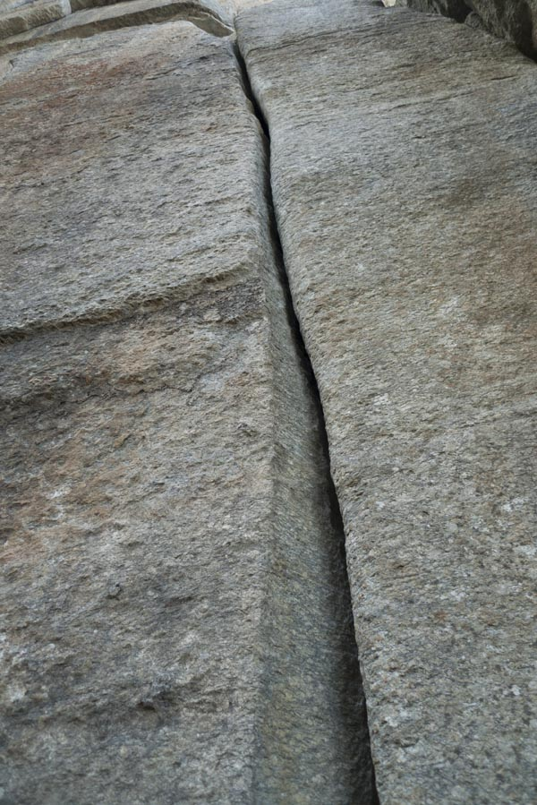 One of the few unbolted routes at Medji is this perfect hand-sized splitter! 6a+ - nice!, 154 kb