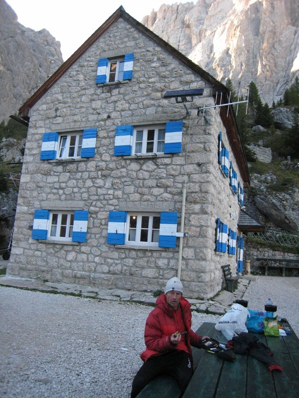 Jerry injecting at the Falier Refuge (2074m.) underneath the South Face of The Marmolada., 147 kb