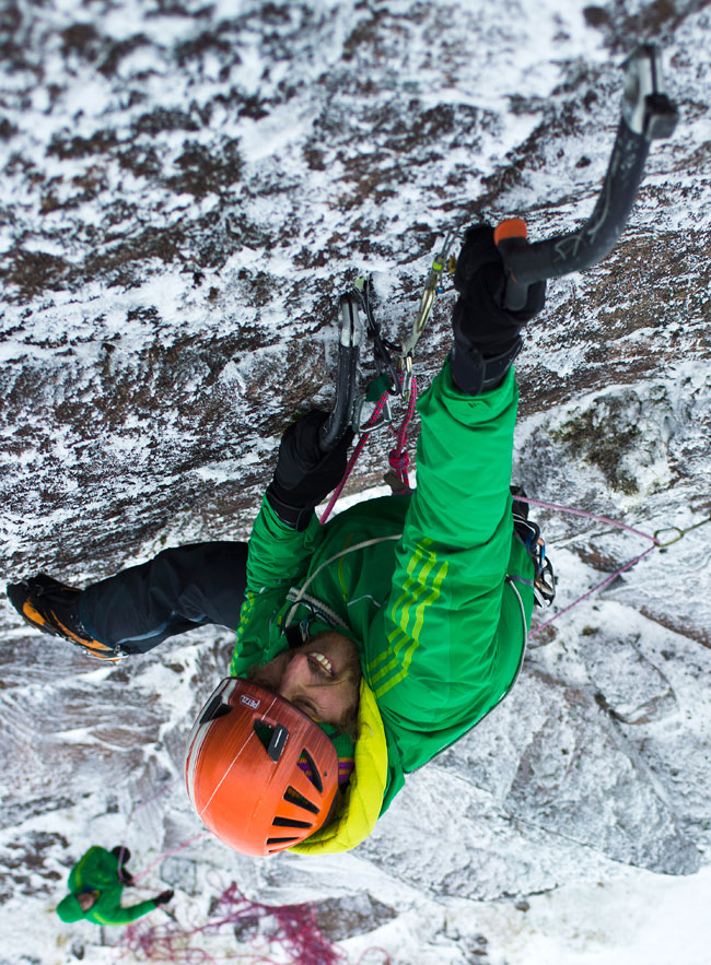 Charly  on Pfugelule (VIII/9), Coire an Lochain, Scotland, 199 kb
