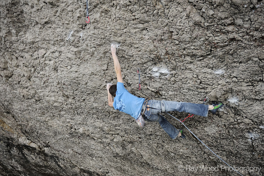 Pete Robins on Diamond Dogs (8c+), the Diamond, Little Orme. Photo: ©Ray Wood, 230 kb