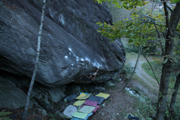 Dai Koyamada on From dirt grows the flowers, 8C, Chironico, Switzerland, 85 kb