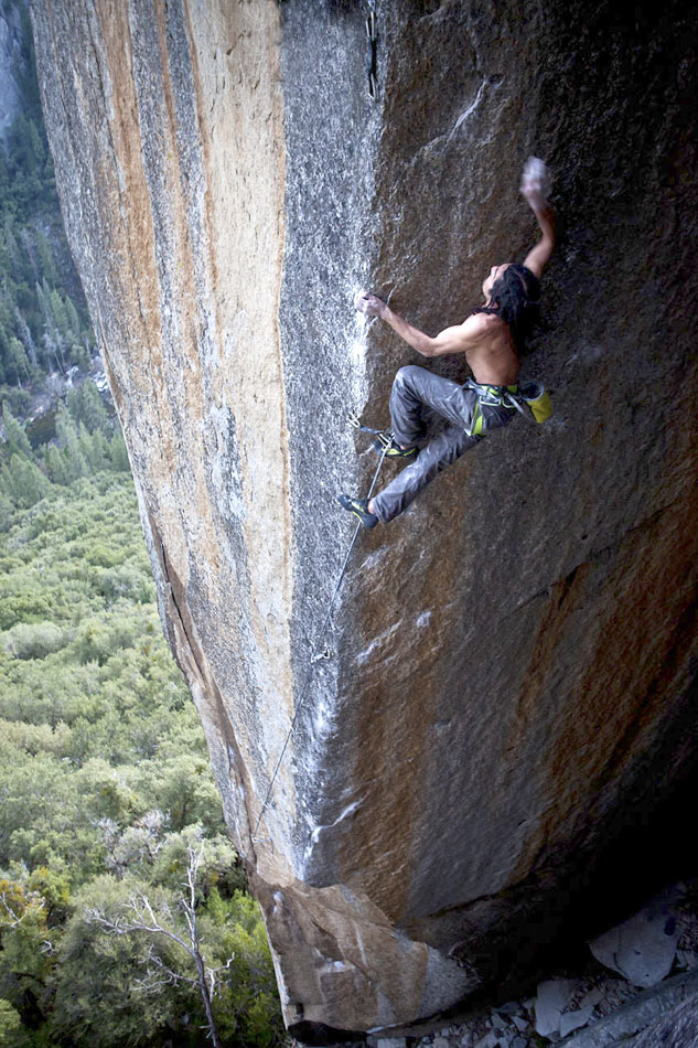 Lonnie Kauk climbing Crossroads 13d14a , 177 kb