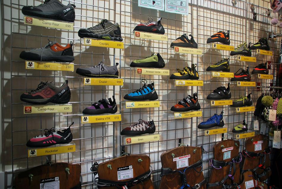 The Crag Station - rock shoes, 186 kb