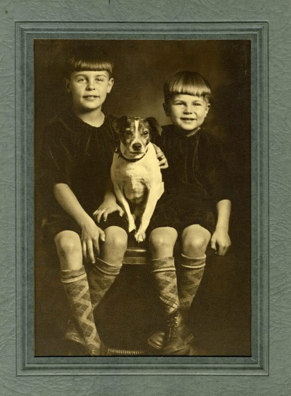 Fred Beckey, his brother Helmy and dog, Flores., 68 kb
