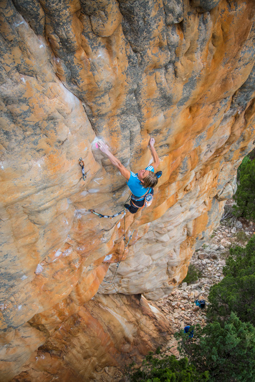 Mayan Smith-Gobat on Punks in the gym, 8b+, Arapiles, Australia, 218 kb