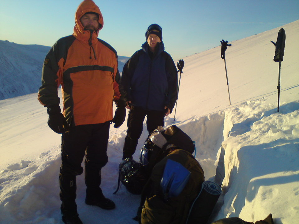 Andy Hutton (left) on a previous trip with pal Simon Walker, also one of the four on Pillar, 103 kb