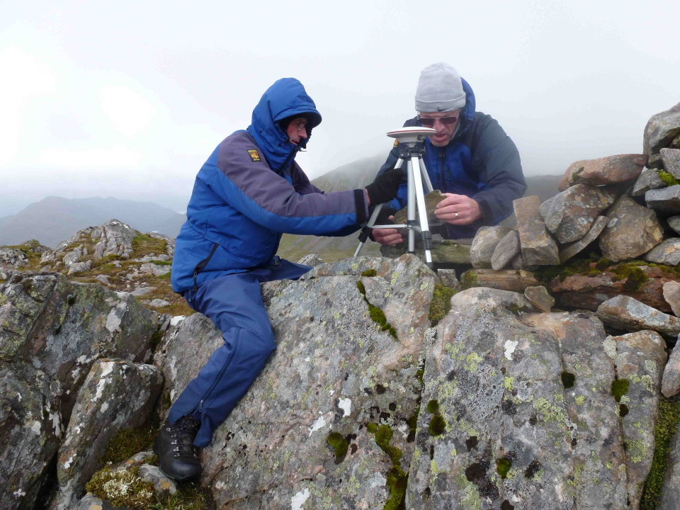 Graham Jackson and John Barnard setting up on the summit of Sgurr a' Bhac Chaolais, 164 kb