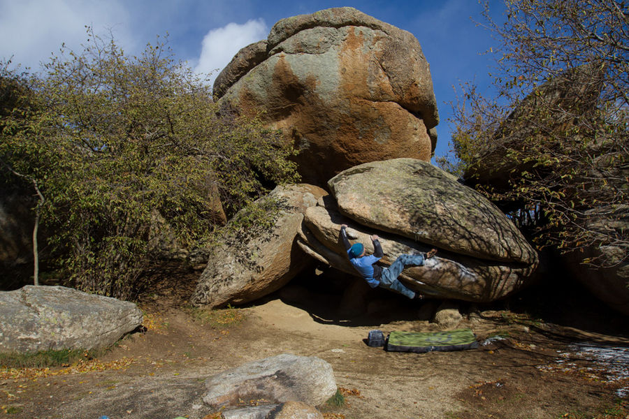 Boulder video in Targassonne, France #3, 200 kb