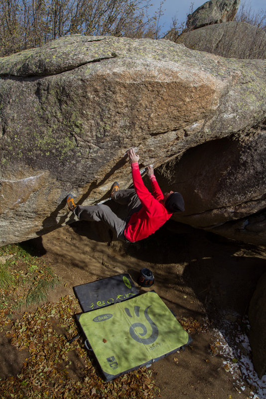 Boulder video in Targassonne, France #4, 180 kb