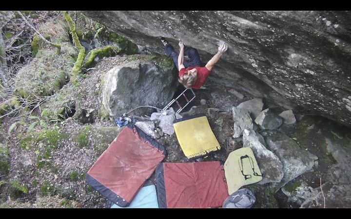 Nalle Hukkataival on Momentum, 8C, Valle Bavona, Switzerland, 80 kb