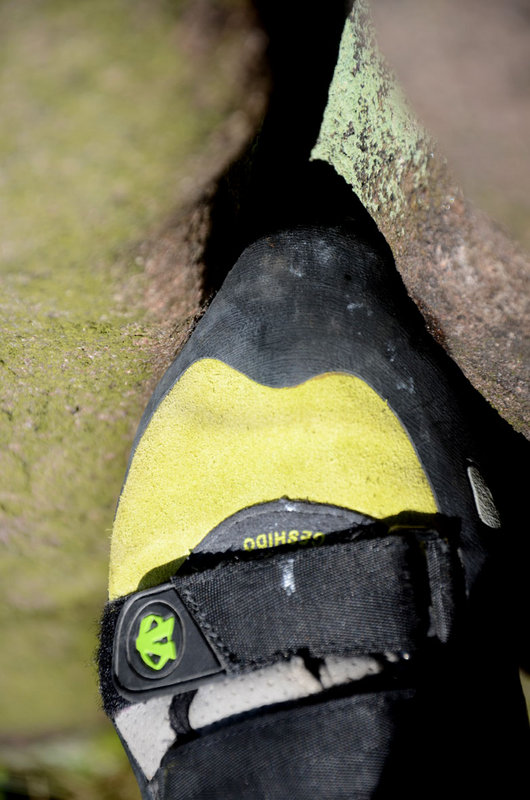 The narrow profile, low volume and pointy toe make the Geshido good for cracks and small pockets., 89 kb