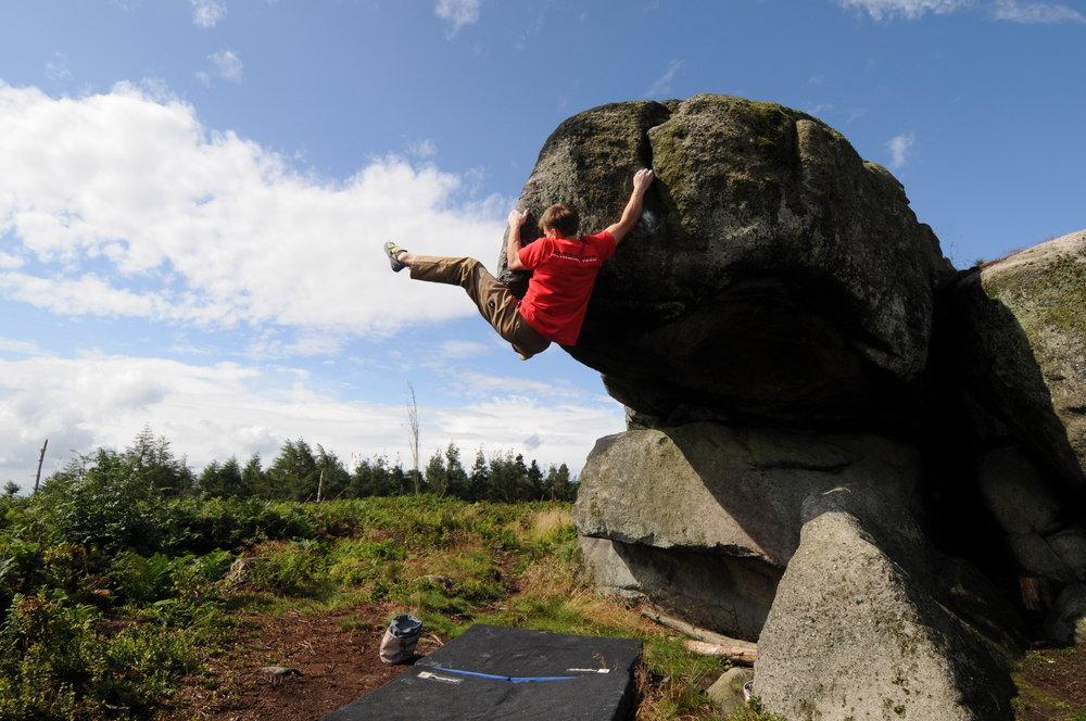 British Bouldering Champion Dave Barrans, 169 kb