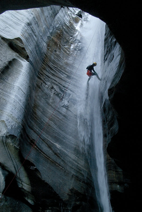The delicate 50m pitch in Osogna Inferiore, Ticino, 129 kb