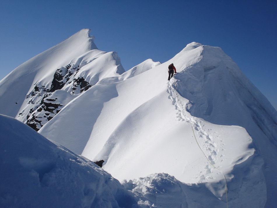 Neil Warren on Mt. Geist Summit traverse, 85 kb