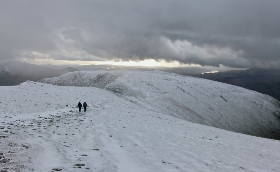 Looking south from Helvellyn, 69 kb