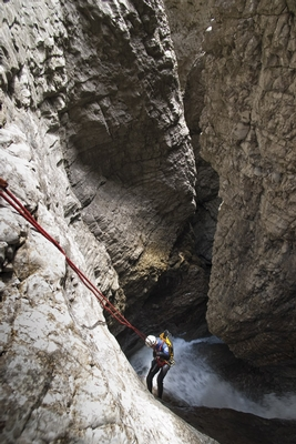 Canyoning in the Alps 1, 104 kb