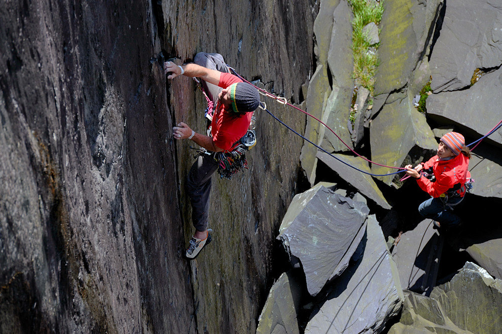 Tim topping the initial crack on Manatese - Keith Sharples Calendar 2012, 218 kb