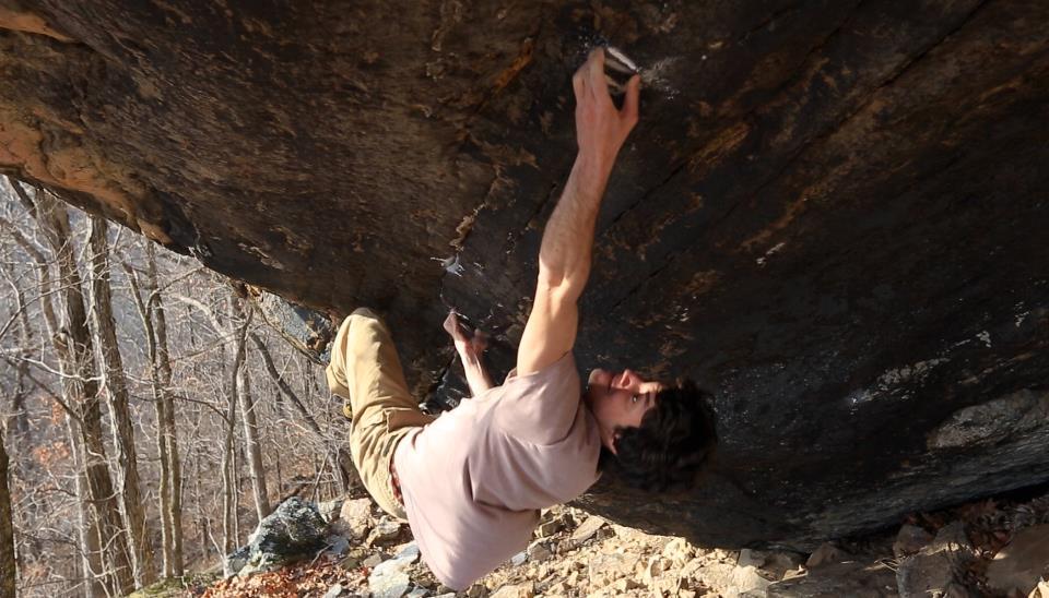 Paul Robinson on The new wood grain grippin', 8B+, HCR, Arkansas, 88 kb