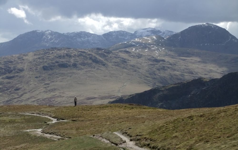 On Hindscarth with the Scafell Pike range in the background, 85 kb