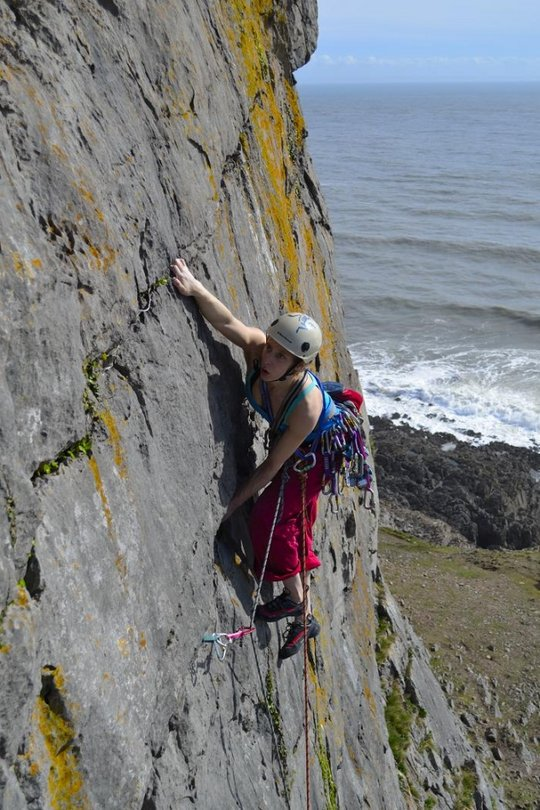 Jacky Tyrie leading the excellent Direct (VS 4c) at Boiler Slab, 120 kb