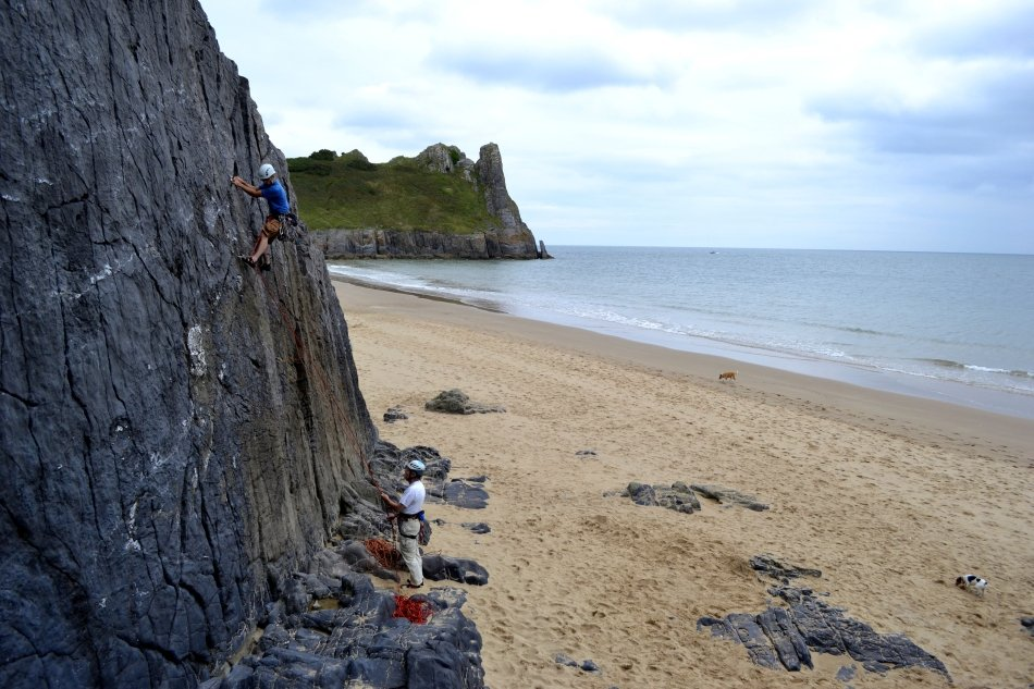 A typical day climbing at Tor Bay with Dan Harris on Stella (VS 4C), 141 kb