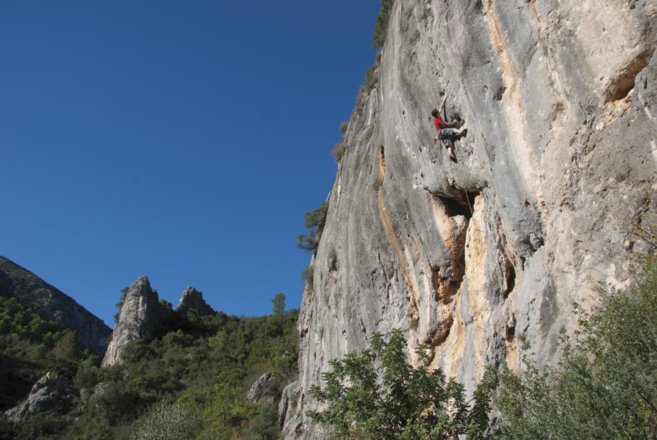 Quimera (6c+) at Pego from the new Costa Blanca Rockfax, 127 kb