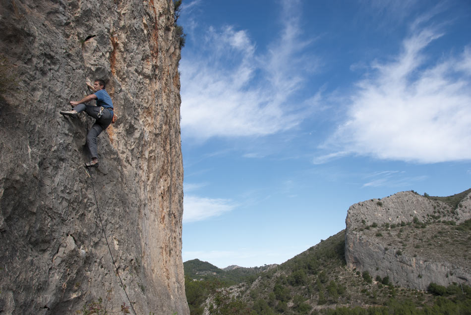 Carros de foc (6b) at Bellús from the new Costa Blanca Rockfax, 116 kb