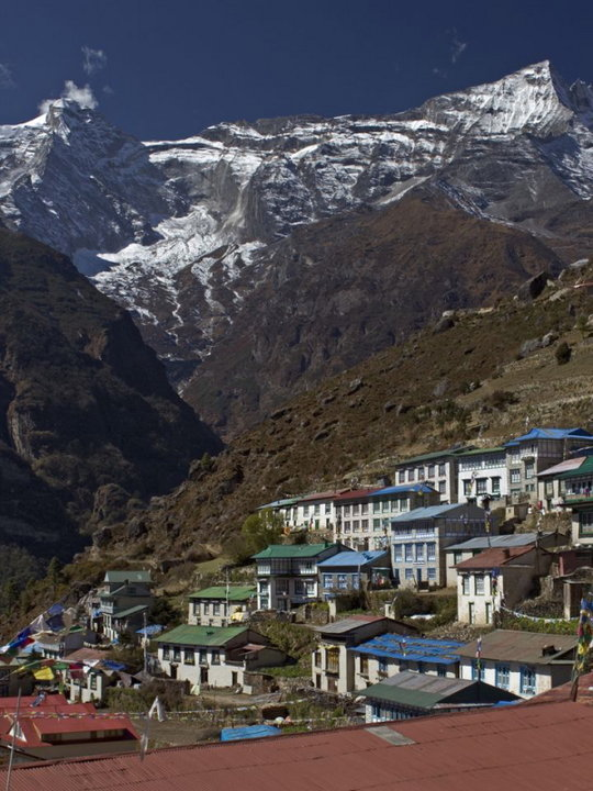 The colourful rooftops of Namche Bazaar, 96 kb