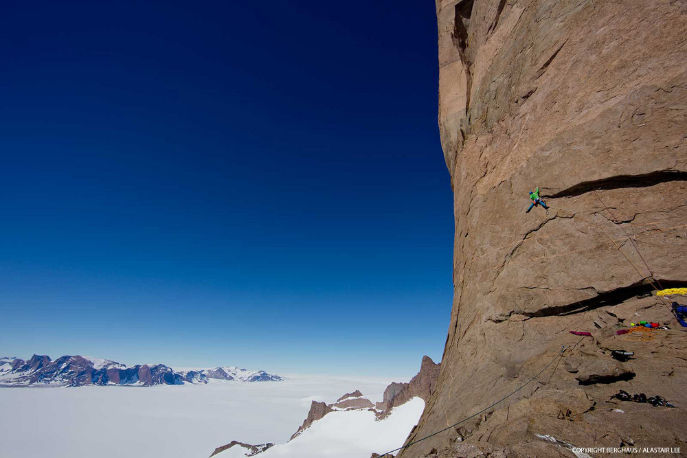 Climbing on the headwall leading to the summit, 121 kb