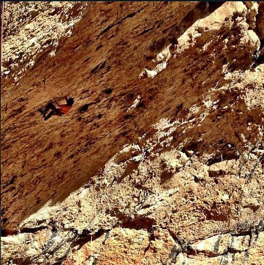Chris Sharma on Stoking the fire, 9b, Santa Linya, Spain, 144 kb