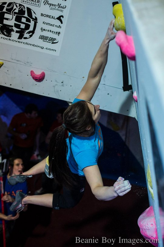 Alex Puccio cruising to the womens title, 64 kb