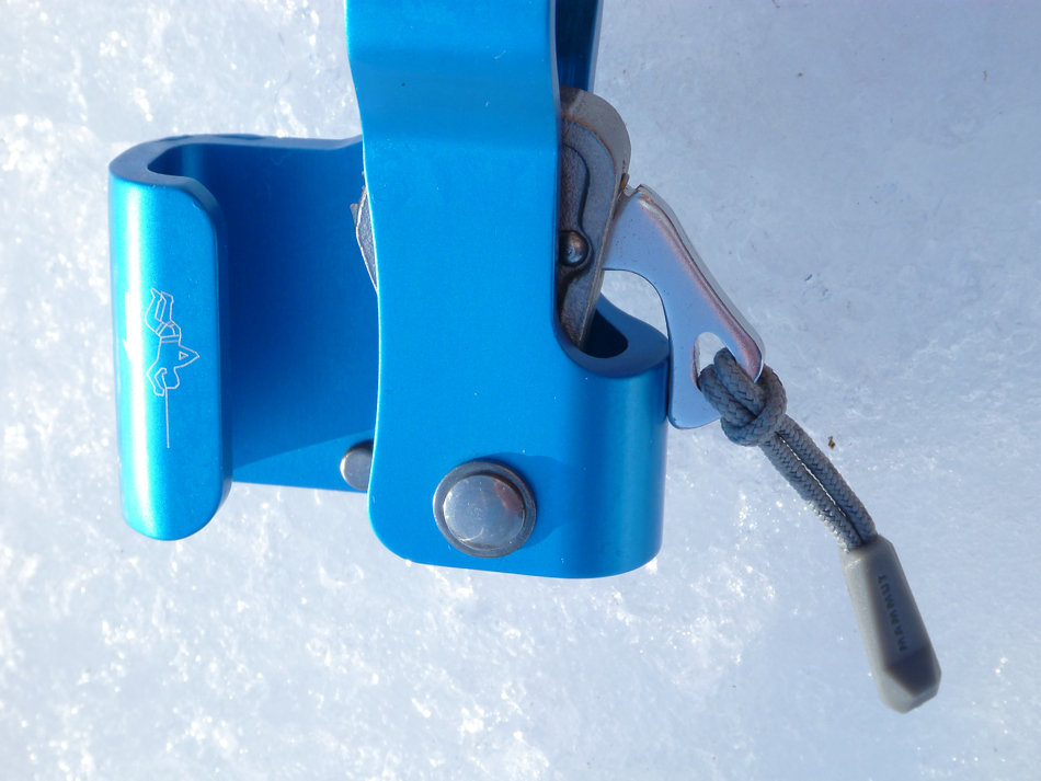 The clamp locked open ready to clip onto a rope, 122 kb