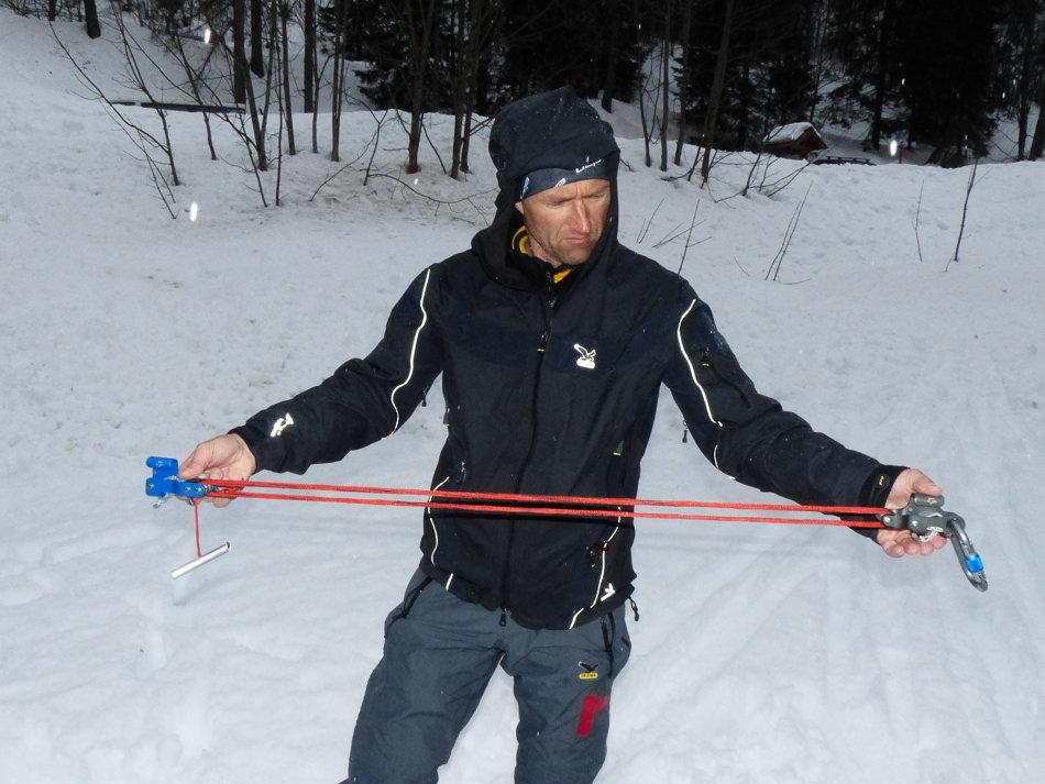 Christian Frischknecht, Swiss training officer checks out the RescYou, 139 kb