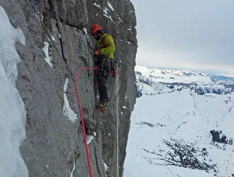 Andy Kirkpatrick on the Eiger North Face, 131 kb