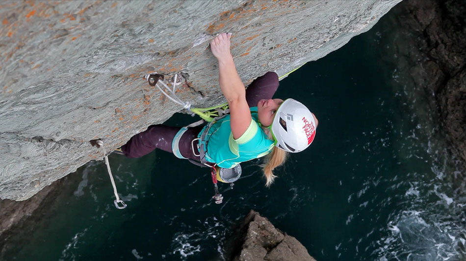 Hazel Findlay going for it on the lead on Chicama - E9 6c, 136 kb