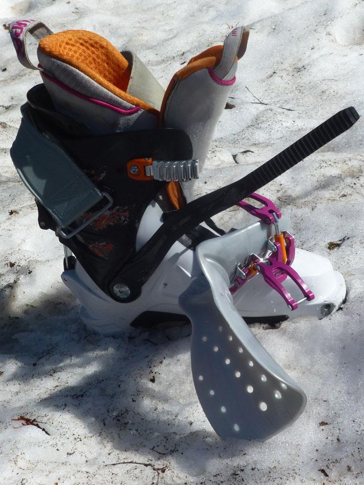 Scarpa Gea RS Ski Boots - Hinged Tongue Detail, 171 kb