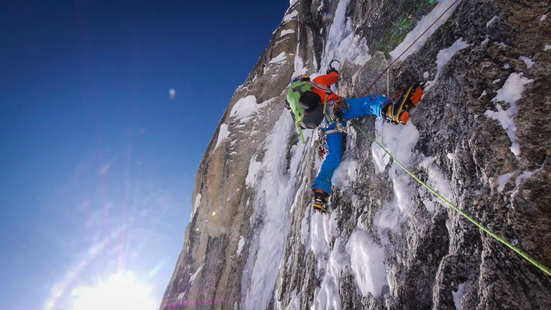 David Lama leading thin ice on Bird of Prey, 199 kb