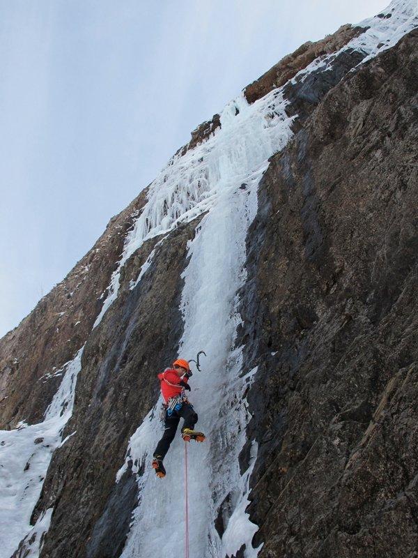 Neil Gresham on Central Icefall Direct, VI 6, 113 kb