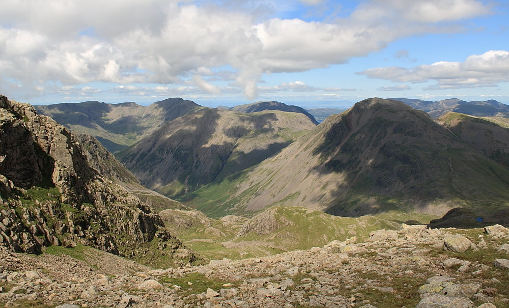 Gable and Pillar from Ill Crag, 166 kb