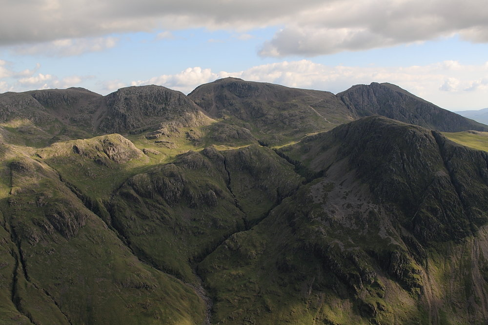 Looking back to the Scafell range from Great Gable, 134 kb