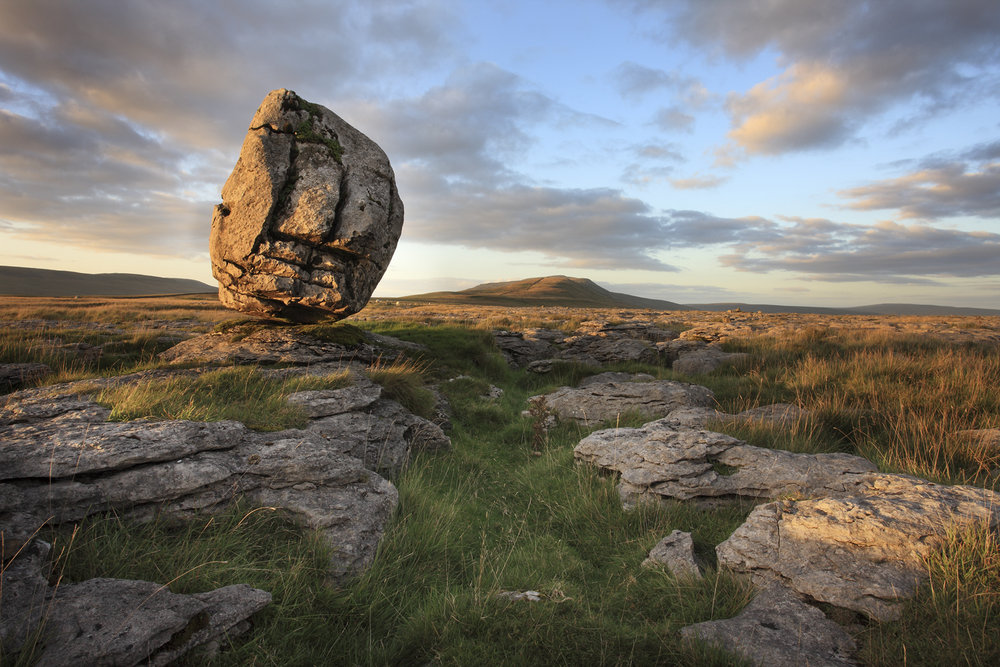 A monolithic erratic in the Yorkshire Dales, 194 kb