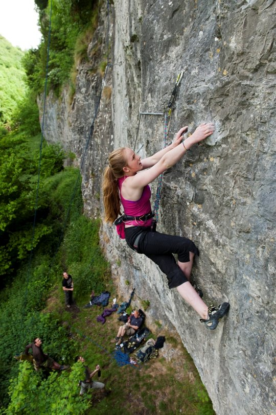 Emily Allen, showing the technical nature of Peak Lime on Aberration, 8a, Cheedale, 133 kb