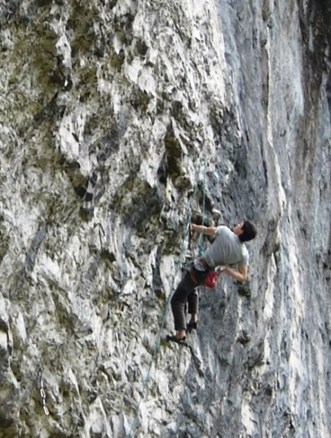 Buster Martin climbing through the typical Malham bulges on Bat Route, 8c, 121 kb