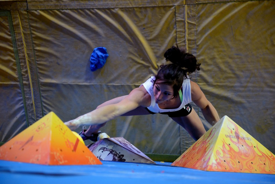 Alex Puccio climbing her way to 3rd Place at the 2013 BBC's, 120 kb