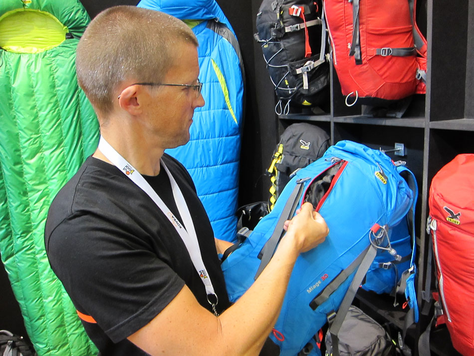 The front opening zip on the Miage 30L pack from Salewa, 191 kb