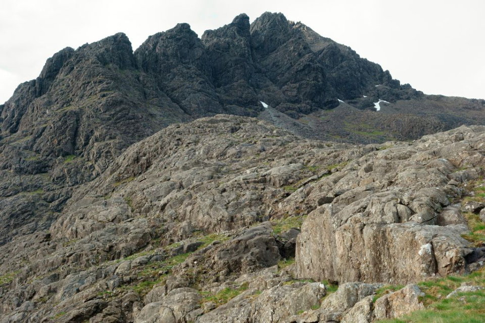Pinnacle Ridge in profile © UKC Articles