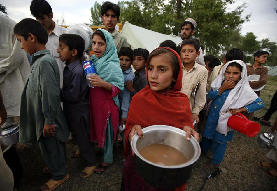 Local people in Pakistan, 158 kb