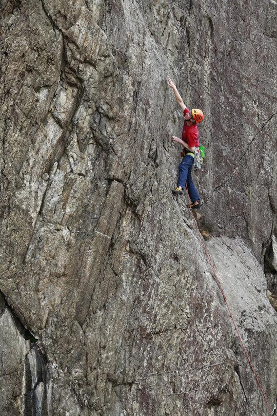 Testing the Boreal Silex at Hidden Wall, Llanberis Pass, 194 kb