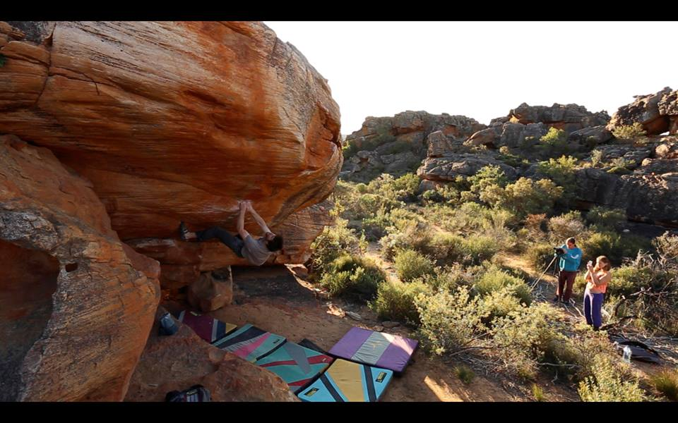 Jimmy Webb flashing Sky, ~8B, Rocklands, SA, 96 kb