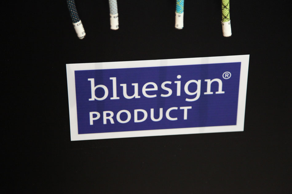 The Bluesign Logo on the Edelrid Rope stand, 60 kb